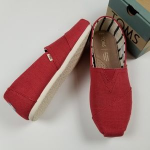 New TOMS apple red classic heritage canvas shoes